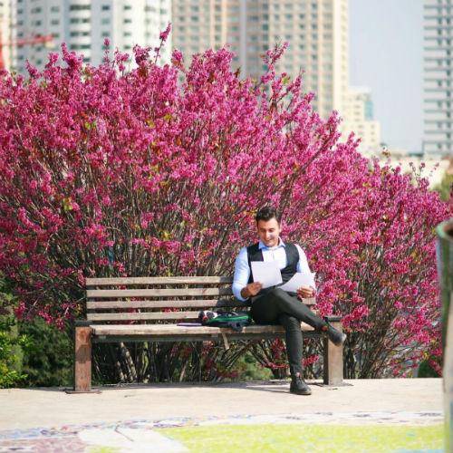 دانلود موزیک ویدیو جدید علیرضا طلیسچی بنام من همونم